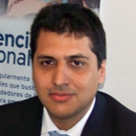 Álvaro Lozano